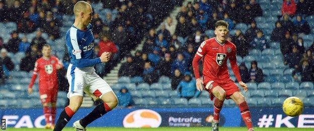 Kenny Miller scores for Rangers against St Mirren
