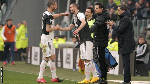 Giorgio Chiellini replaced Leonardo Bonucci with 12 minutes left