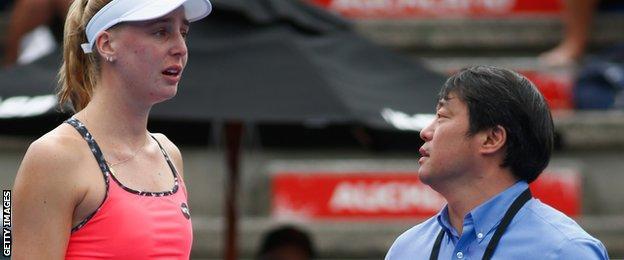 Naomi Broady and WTA supervisor Tony Cho