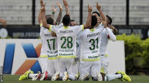 Chapecoense celebrate scoring in a league match against Vasco da Gama