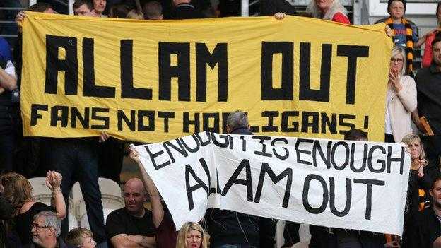 Hull fans protest
