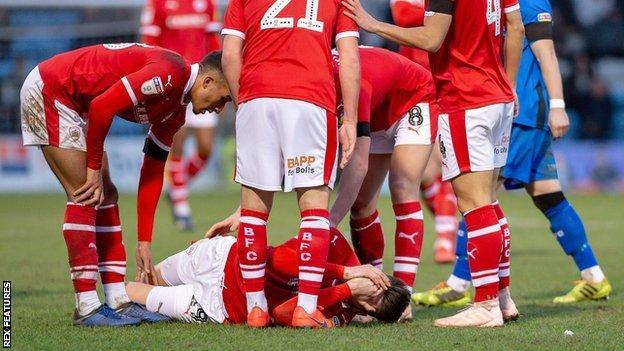 Kieffer Moore injured
