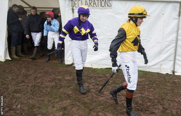 Victoria Pendleton heads out to ride