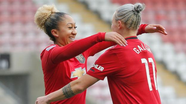 Women's Super League: Manchester United 4-0 Brighton & Hove Albion thumbnail