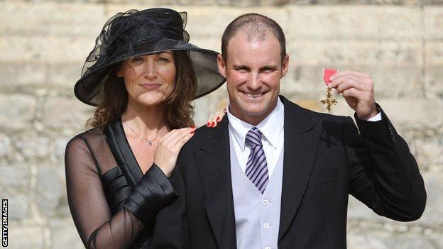 Andrew Strauss and his wife Ruth after being awarded his OBE in 2011