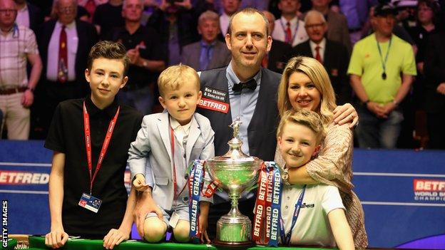 Mark Williams, Williams family and World Championship trophy