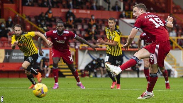 Lewis Ferguson scored twice in a thumping win for an impressive Aberdeen