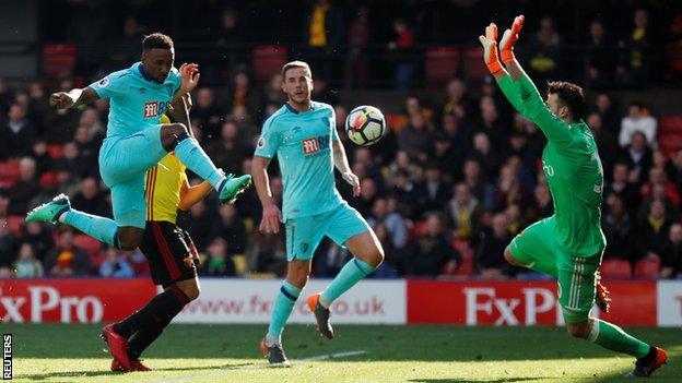 Jermain Defoe scores for Bournemouth