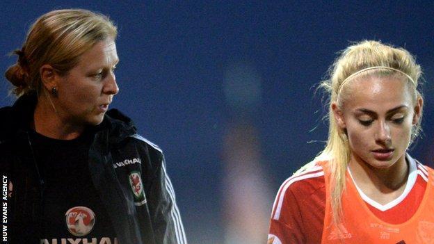 Jayne Ludlow talks to Charlie Estcourt