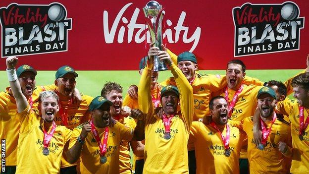 Notts Outlaws celebrate winning the 2020 T20 Blast