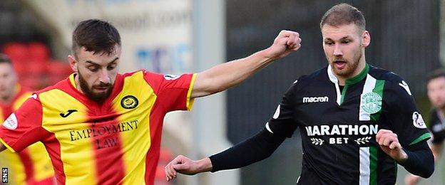 Partick Thistle's Stevie Lawless and Hibs' Martin Boyle