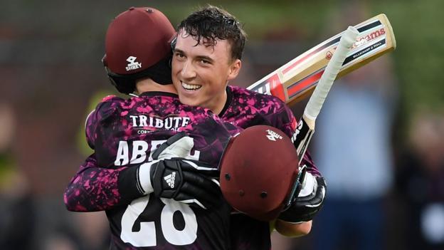 T20 Blast: Tom Banton leads Somerset to win over Kent
