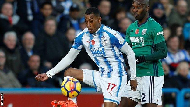 Huddersfield winger Rajiv van La Parra