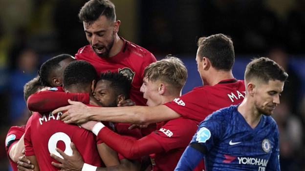 Chelsea 0-2 Man Utd: Martial and Maguire score for visitors thumbnail