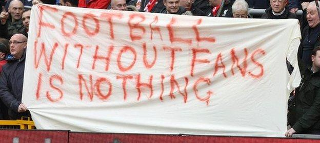 Liverpool fans make their feelings known