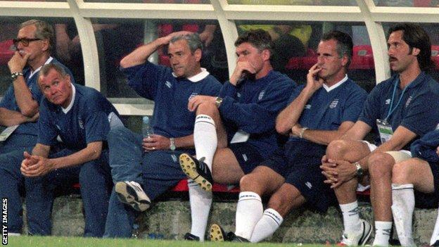 Kevin Keegan and the England bench look on in despair