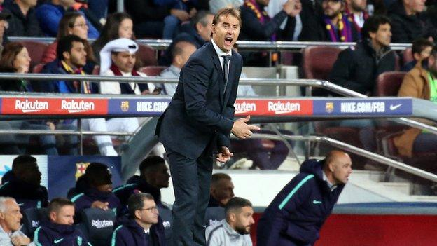 Julen Lopetegui while coach of Real Madrid against Barcelona