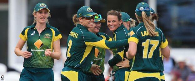 Australia celebrate the wicket of Sarah Taylor