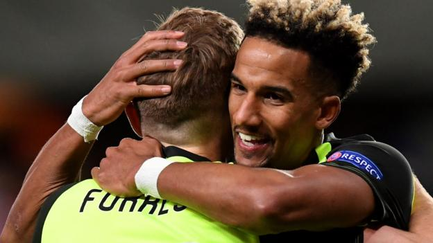 Rosenborg 0-1 Celtic: Scott Sinclair header helps side close in on knock-out stages thumbnail