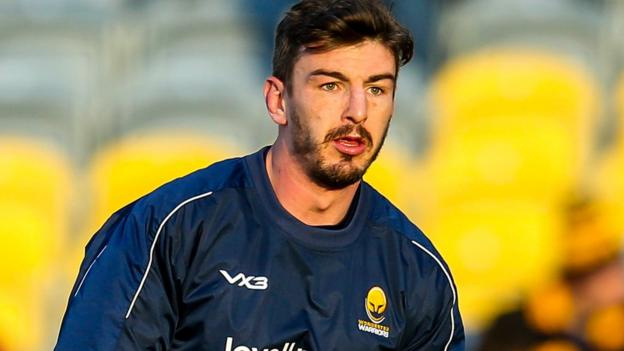 Sam Lewis: Worcester Warriors flanker signs new contract thumbnail