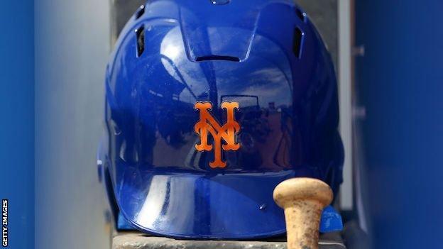New York Mets helmet
