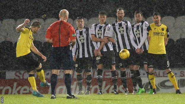 Gary Glen scores a free-kick for Livingston against St Mirren