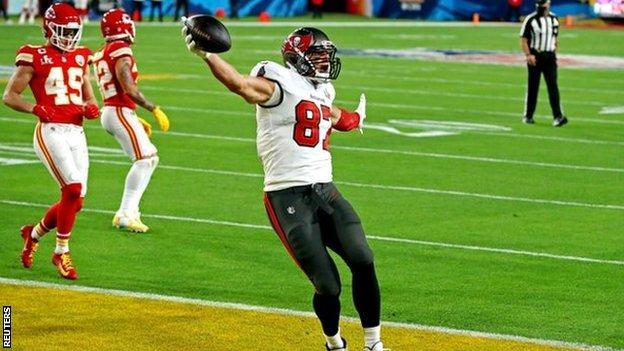 Rob Gronkowski scores a touchdown during Super Bowl 55