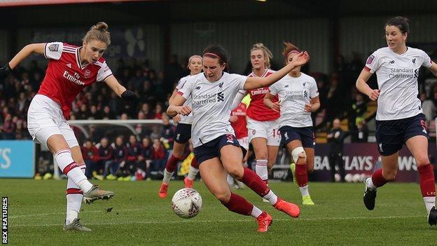 Vivianne Miedema scores for Arsenal