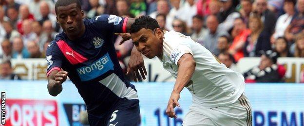 Swansea winger Jefferson Montero