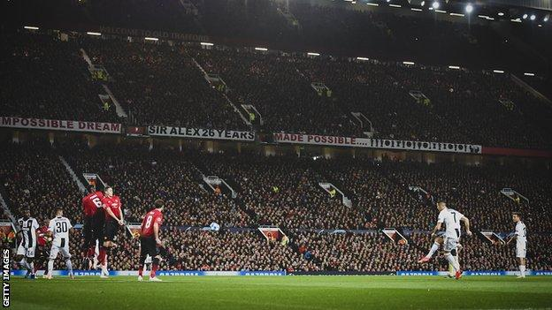 Cristiano Ronaldo takes a free-kick against Manchester United