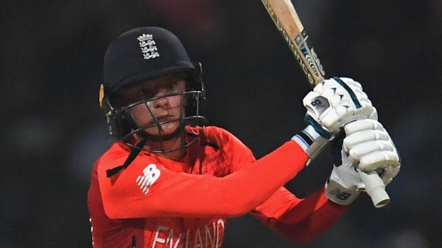 England women in India: Tourists win consolation ODI thumbnail