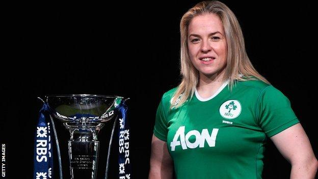 Niamh Briggs with the Six Nations trophy