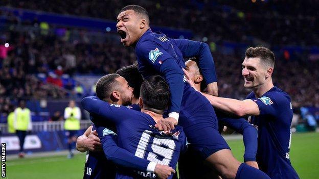 PSG players celebrate