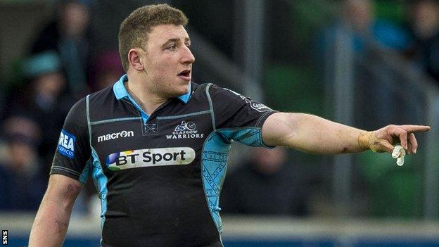 Duncan Weir in action for Glasgow Warriors