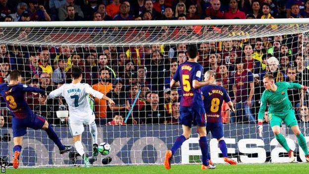 Cristiano Ronaldo scores for Real Madrid against Barcelona
