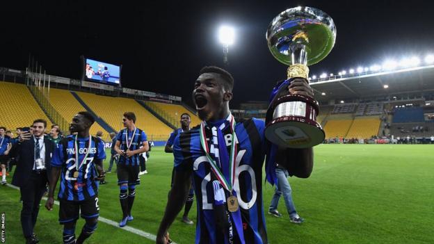 Willie Brasiano Ta Bi festeggia con l'Atalanta la Coppa Italia Primavera