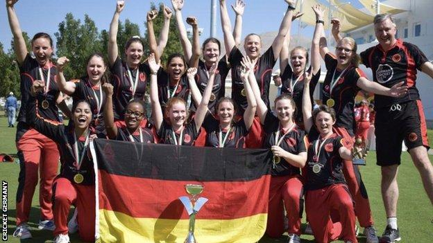 Germany's women's players in a team photo