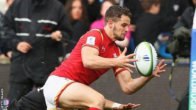 Joe Thomas goes over for Wales U20's try
