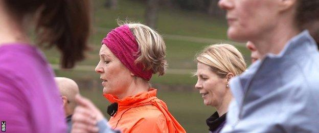 Sarah Russell coaching runners in Kent