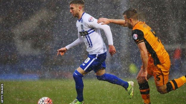 Snow at Bury v Hull