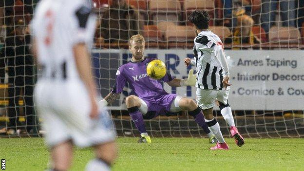 Fayssal El-Bakhtaoui scores for Dunfermline against Dundee