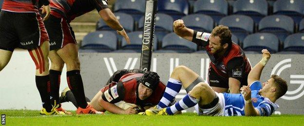 Edinburgh score through Alasdair Dickinson
