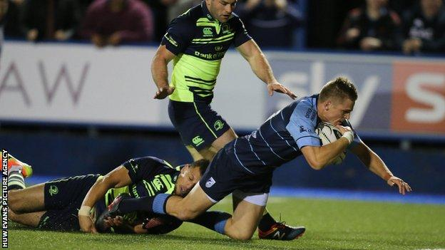 Gareth Anscombe scores for Cardiff Blues