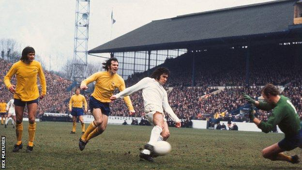 Billy Hughes scores for Sunderland against Arsenal in the 1973 FA Cup semi-final