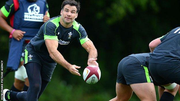 Mike Phillips in training with Wales