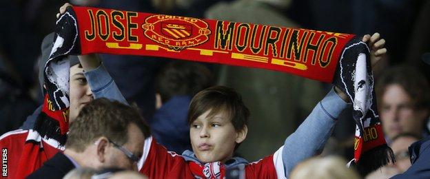Man Utd fan with Mourinho scarf