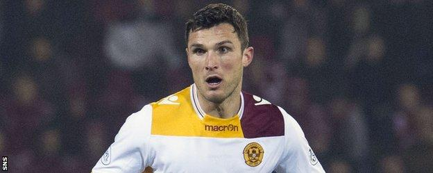 John Sutton in action for Motherwell