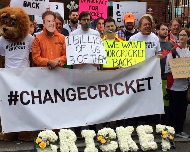 Change Cricket protest