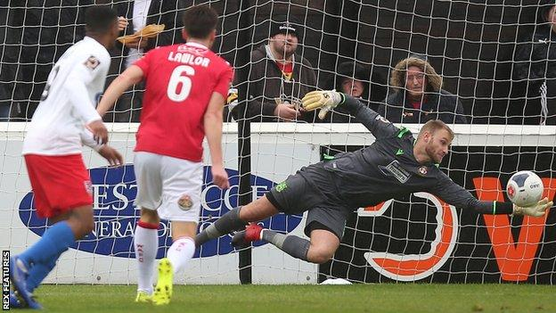 Dagenham & Redbridge kept Robert Lainton busy in the Wrexham goal