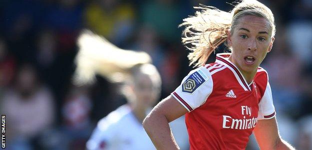 Jordan Nobbs in action for Arsenal